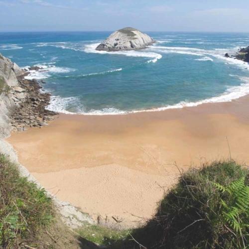 Playa de Covachos | a 2,6 Km.